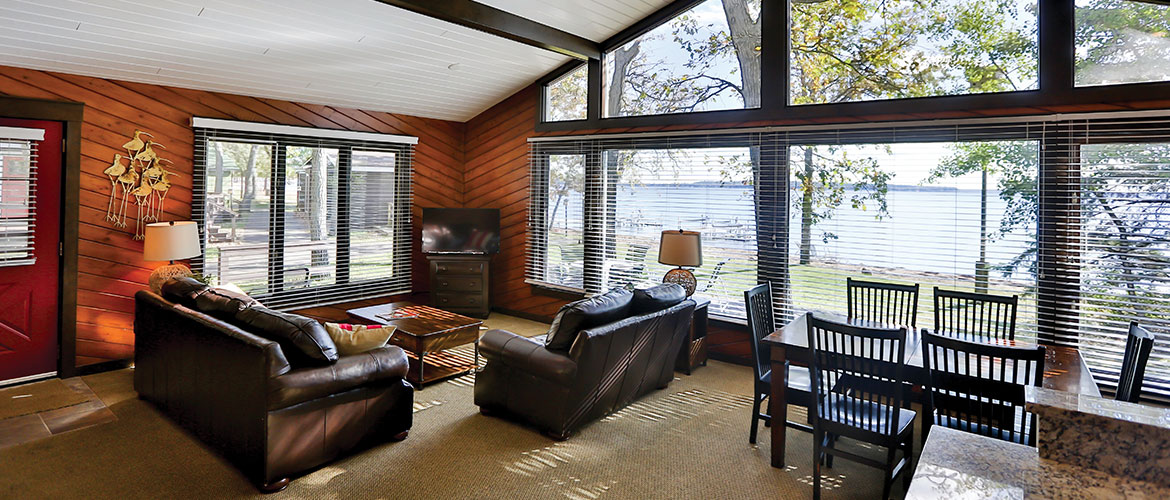 Grand View Cabin Living Room